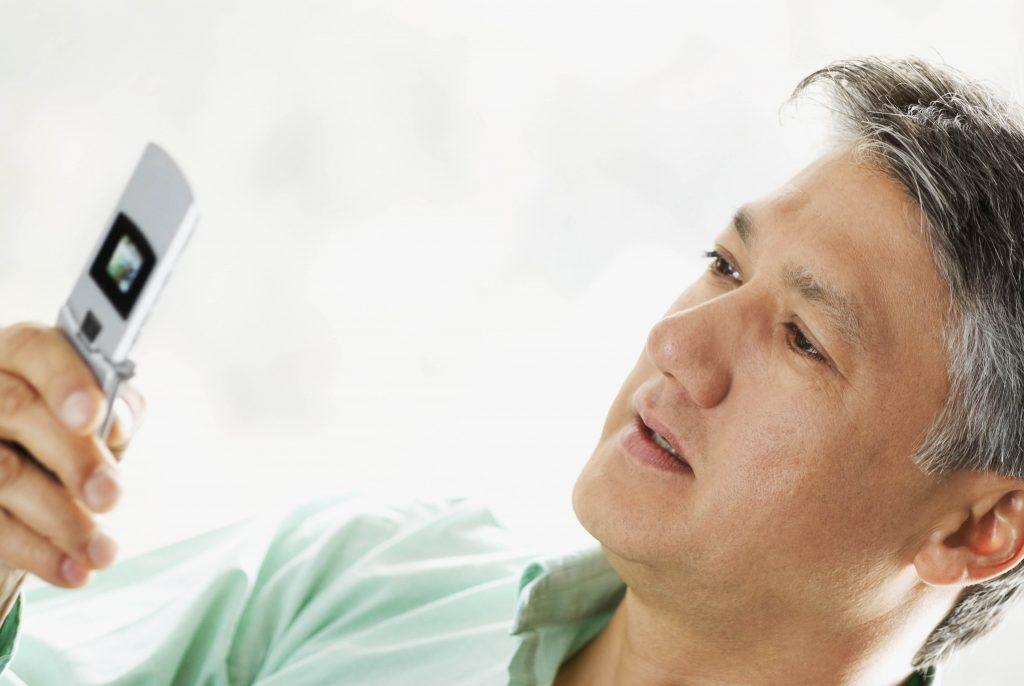 Las aplicaciones móviles en el entorno de la salud: ensayos y necesidades
