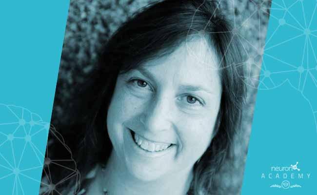 La doctora Sarah Raskin imparte una ponencia en inglés sobre evaluación y tratamiento de posibles déficits de memoria