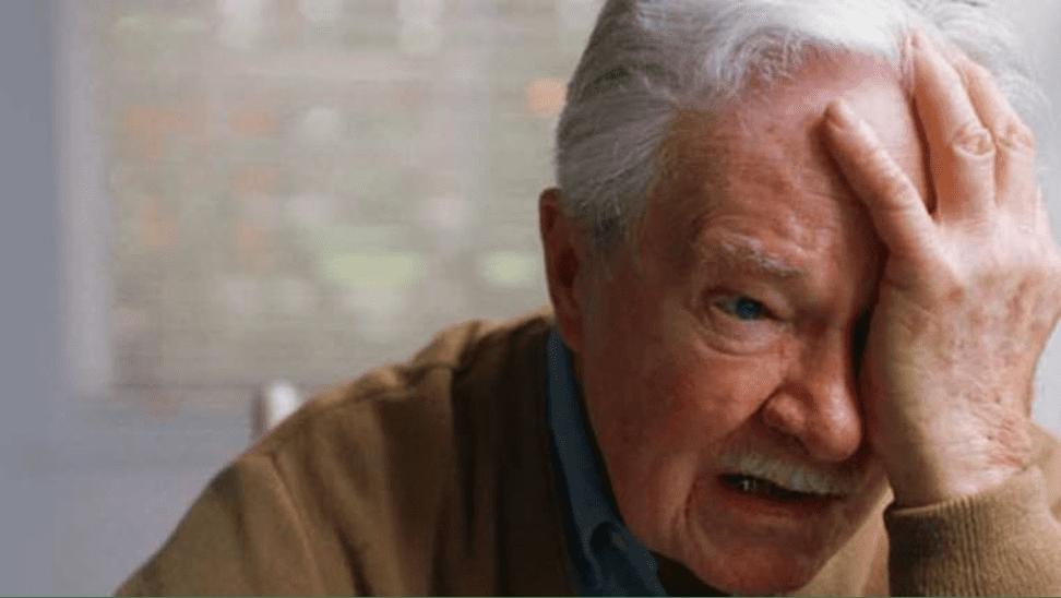 Persona mayor con demencia