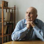 persona mayor con deterioro cognitivo leve (DCL)