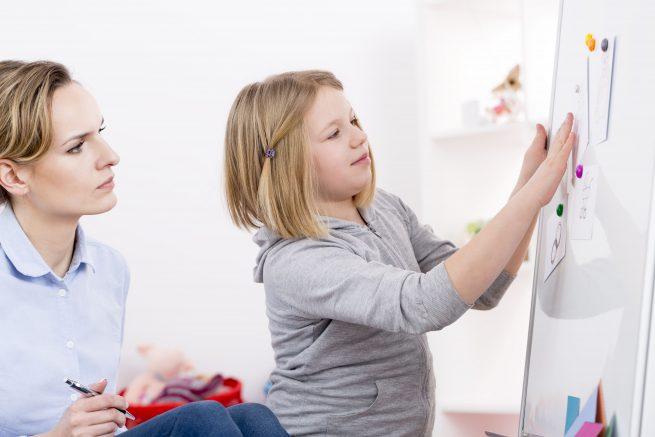 Niña con Asperger